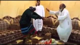 getlinkyoutube.com-شايب يرقص رقص شباب
