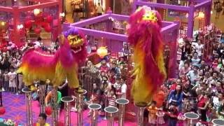 getlinkyoutube.com-Acrobatic Lion Dance @ 1 Utama Shopping Centre (18 Jan 2014) by Khuan Loke Dragon & Lion Dance