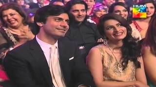 getlinkyoutube.com-Fawad Khan's humorous scene about hair clip scene from Humsafar (1st HumTv Awards 2013) HD