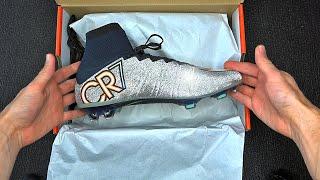 getlinkyoutube.com-Exclusive: New Cristiano Ronaldo Nike Superfly 4 Unboxing