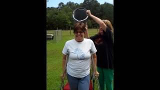 getlinkyoutube.com-One legged lady does Icebucket challenge