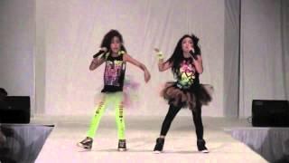 getlinkyoutube.com-Nicki Minaj Super Bass - Swagger Girls