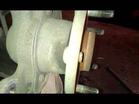 Замена шпильки передней ступицы Toyota Mark 2
