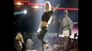 getlinkyoutube.com-Παολα Χορευοντας Σολο Κλαρινο Teatro Live @by Farouk!!!