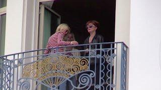 getlinkyoutube.com-Bella Hadid and Susan Sarandon at the Martinez hotel in Cannes