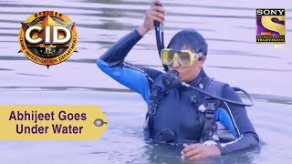 Your Favorite Character   Abhijeet Goes Under Water   CID
