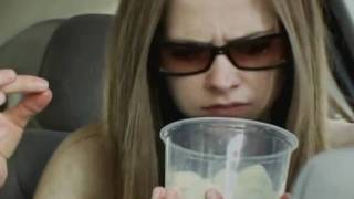 getlinkyoutube.com-AVRIL LAVIGNE - MTV DIARY - PART 02