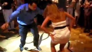 getlinkyoutube.com-вот как танцуют бакинские девушки... BRAVO