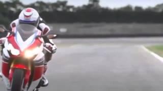 getlinkyoutube.com-Motos De Carreras Deportivas De Lujo | Honda CBR 1000 RR y Kawasaki Ninja ZX6R