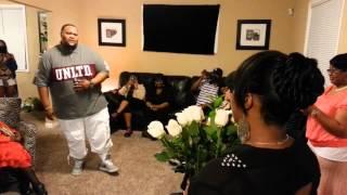 getlinkyoutube.com-Woman Gets Surprised By Singing Marriage Proposal (Tear Jerker)