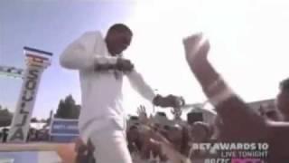 getlinkyoutube.com-Soulja Boy - Pretty Boy Swag live