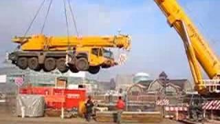 getlinkyoutube.com-500t hebt 160t auf Ponton / Crane carries crane Kranmobile Teil 1 - Soeren66