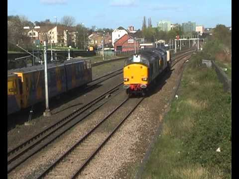 6E44 Carlisle to Hartlepool Nuclear Flasks through Felling 18th April 2014