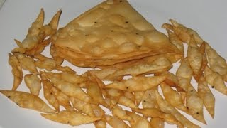 getlinkyoutube.com-Nimki / Namakpare recipe ( mini diamond and big triangular shaped )