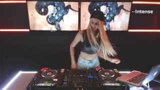 getlinkyoutube.com-Da Candy Live set @ Radio Intense part 1