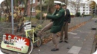 getlinkyoutube.com-Fahrrad abstellen verboten - Polizist rastet aus | Alles In Ordnung
