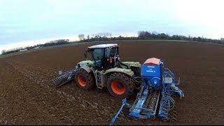 getlinkyoutube.com-2 CLAAS Xérion au labour et semi de blé en 2012
