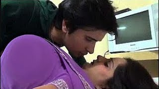 Indian Aunty kising with young boy - indian aunty romance with young boy - Hot mullu aunty romance