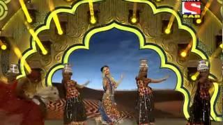 getlinkyoutube.com-Lavina Tondon - Performance - Sab Ke Satrangi Parivaar Awards - 31st January 2014