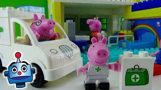getlinkyoutube.com-Peppa Pig Hospital de Peppa Hospital Construction Set - Juguetes de Peppa Pig