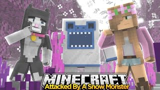 getlinkyoutube.com-Minecraft Little Kelly : ATTACKED BY A SNOW MONSTER! w/Little Carly & Cassie The Cat!