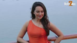 getlinkyoutube.com-Sonakshi Sinha Hot Sexy Ramp Walk | Watch It
