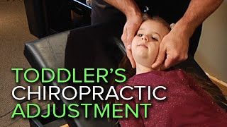 getlinkyoutube.com-A Chiropractic Neck and Spinal Adjustment On A Four-Year-Old Patient | Flexwell