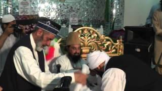 getlinkyoutube.com-Khilafat by Mufakkir-e-Islam Pir Syed Abdul Qadir Jilani to Shaykh Umar | Urs of Qutb-ul-Aqtab