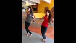 getlinkyoutube.com-Indian girls belly dance-so cute