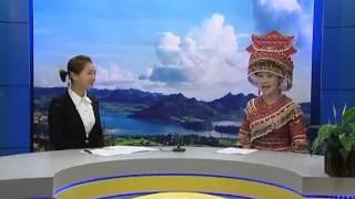 getlinkyoutube.com-Laj Tsawb singing kwv txhiaj in an interview