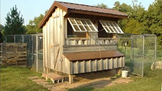 getlinkyoutube.com-Tour our Saltbox-Style Chicken Coop