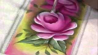 getlinkyoutube.com-Mulher.com 15/03/2013 Luciano Menezes - Pintura em tecido rosas  parte 2