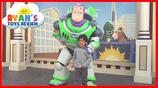 getlinkyoutube.com-Amusement Park for Kids DisneyLand Family Fun Trip BuzzLight Year Disney Rides Ryan ToysReview