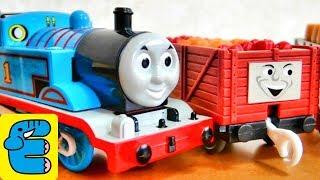 getlinkyoutube.com-プラレールトーマス#1 トーマスといっぱい貨車セット【開封】 Plarail Thomas #1 Opened the treasure boxes [Eng Subs]