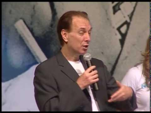 Atores e Diretores do filme Nosso Lar no 3º Congresso Espírita Brasileiro 2/2 - Renato Prieto