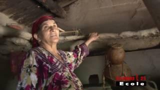 getlinkyoutube.com-Visite d'une vielle maison kabyle- village sahel