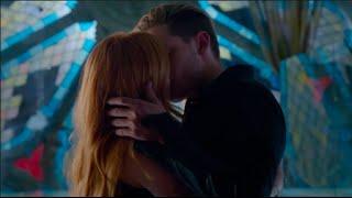 getlinkyoutube.com-Clary and Jace's First Kiss Scene HD (Shadowhunters) [1x07]