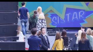 getlinkyoutube.com-HD Fancam 150912 SNSD's reaction to Sistar  Shake It  @ DMC Music Core Special Rehearsal