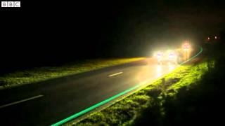 getlinkyoutube.com-Netherlands glow in the dark cycle path unveiled