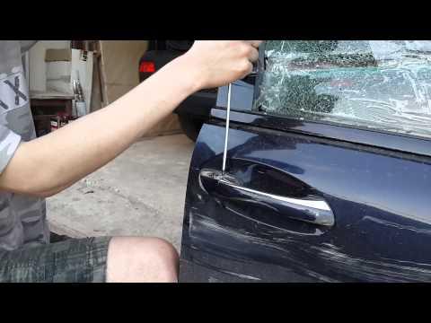 Как снять  ручку двери  с Mercedes w203 если не откручивается винт