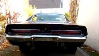 getlinkyoutube.com-1970 Dodge Charger 440 cold start and idle sound