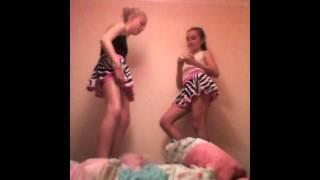 getlinkyoutube.com-Gymnastics twins