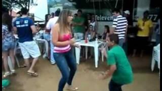 getlinkyoutube.com-Baixinho dançador de Forró, musica Garota Safada.