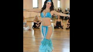 getlinkyoutube.com-Nataly Hay Belly Dancer hosts Asi Haskal נטלי חי רקדנית בטן ואסי חסקל