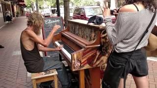 대박.... 노숙자 감동의 피아노 연주(즉석)