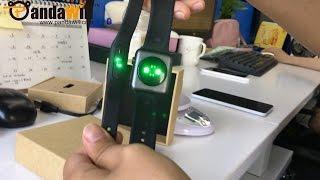 getlinkyoutube.com-New XIAOMI Mi Band 1S with Heart Rate Sensor vs. iWatch