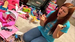 getlinkyoutube.com-SHE CAUGHT HER HUSBAND PLAYING BARBIES AND WWE TOYS!