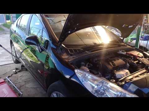 Замена топливного фильтра Пежо-408/308