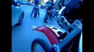 getlinkyoutube.com-XT 550 - Μπάμπης σε τρελά παντηλίκια στη Λούτσα