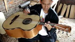 getlinkyoutube.com-guitarron tipo morales de Pedrito Lemus 044 452 1318147